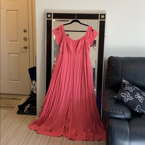 Long maxi, great for formal or fantastical events
